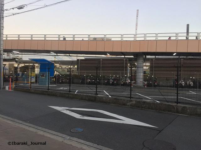 1212JR茨木駐車場出口あたりIMG_5718