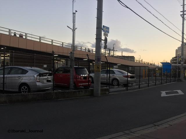 1212JR茨木駐車場全体IMG_5720