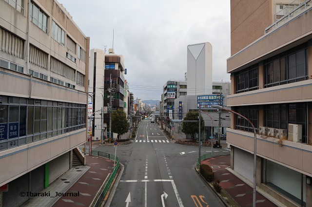 0127阪急茨木市歩道橋から北