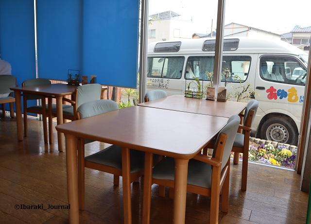 スワンベーカリーのカフェスペースIMG_8900