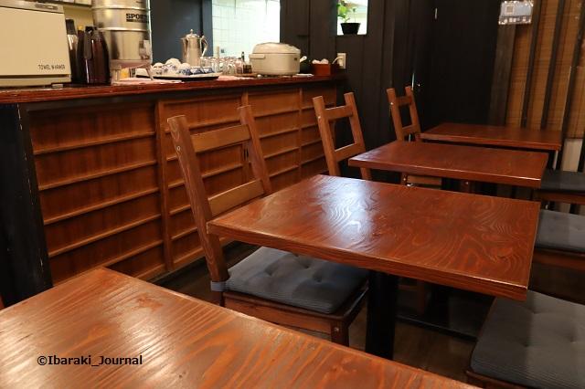 加山食堂店内カウンターIMG_8694