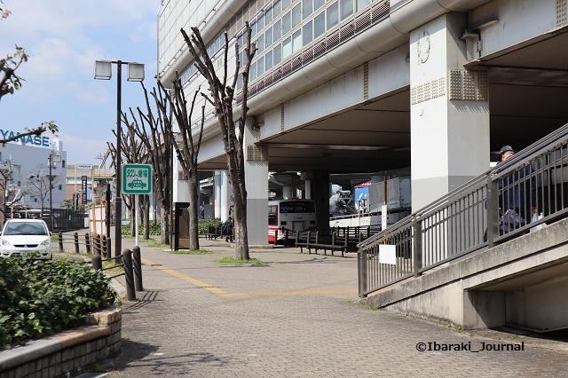 モノレール南茨木バス停そばIMG_9385