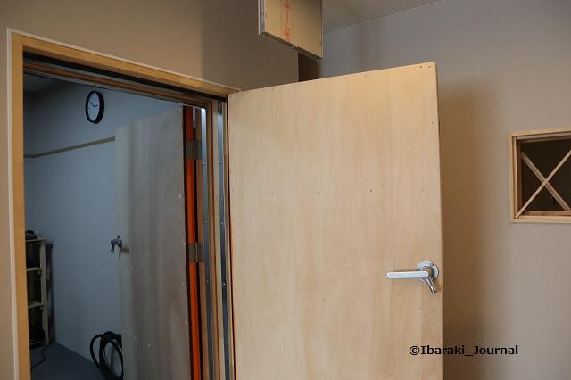 スタジオの扉IMG_9605