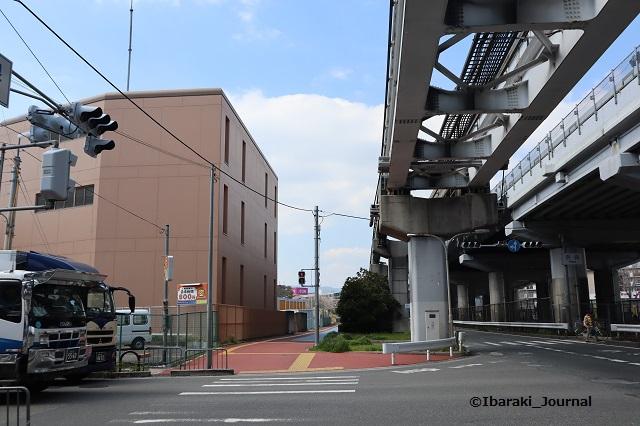 4奈良交差点むこうのほうに春日神社IMG_9391