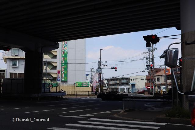 5奈良交差点を右折IMG_9390
