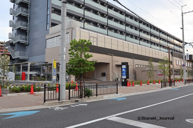 ヴィエラの駐車場東から入るIMG_9700