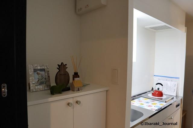 ターミナルズ居室キッチンIMG_9896