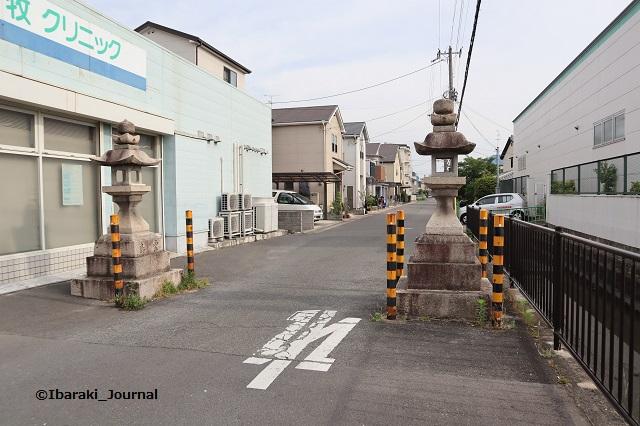 佐奈部神社道路向かいに灯籠IMG_0008