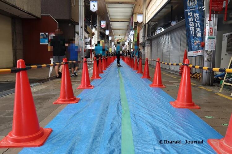 阪急本通商店街ギネス前IMG_0119