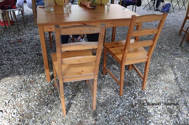 双子家ピザのテーブルIMG_0887