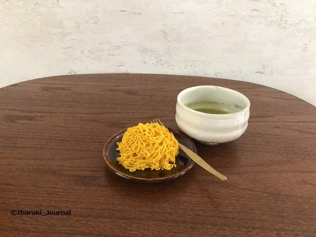 1011-2お茶とお花とモンブランテーブルにIMG_9859