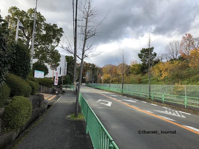 山手台の幼稚園前バス停へIMG_0717