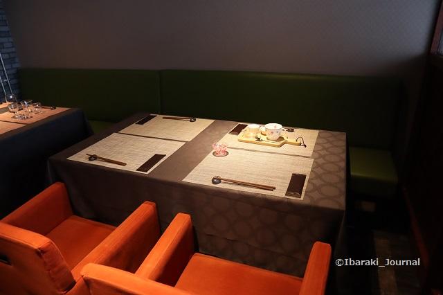 いばらき和牛倶楽部の店内テーブルIMG_1363