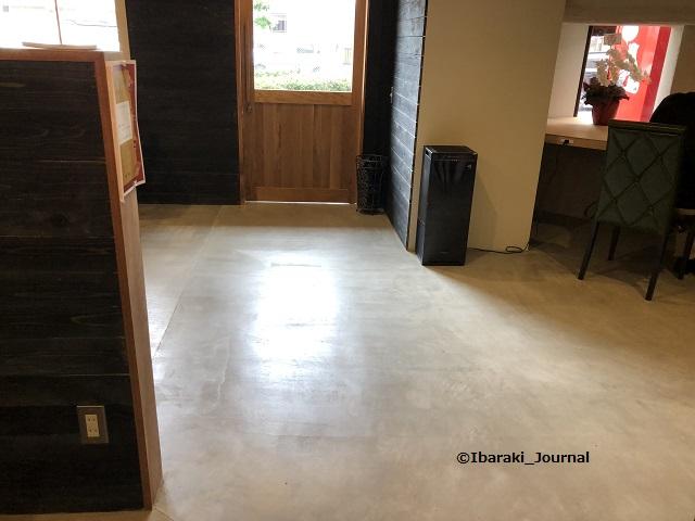 喫茶物語店内の床IMG_1210