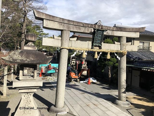 0128茨木神社鳥居からIMG_1638