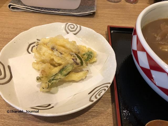 カレーうどん祥の野菜のかき揚げIMG_1465