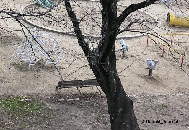 三島公園上から見る遊具1IMG_1504