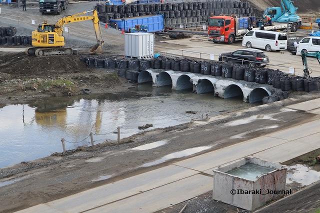 20191220あけぼの橋工事川のところIMG_1536