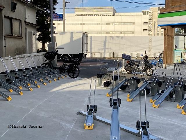 総持寺ファミマ横の駐輪場IMG_1697