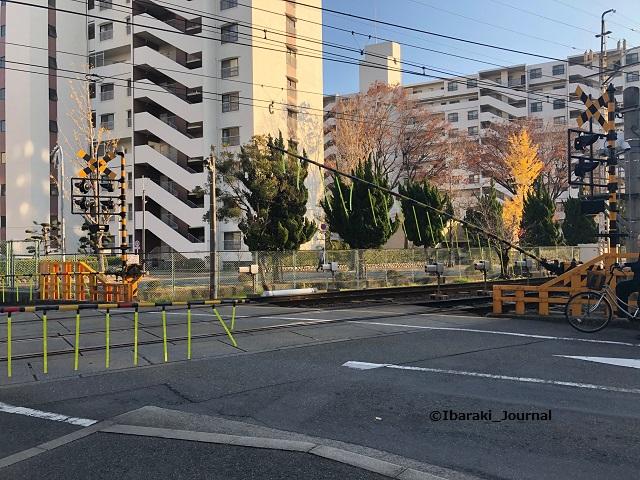 阪急南茨木そば踏切IMG_0915
