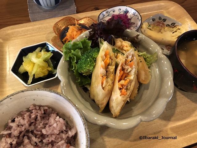 20200303コモドキッチンランチお惣菜種類IMG_2447
