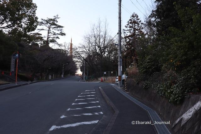 弁天さん入り口の坂道20200323IMG_2248