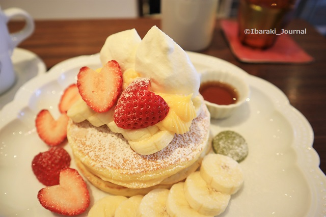 カフェレードルのいちごパンケーキIMG_2140