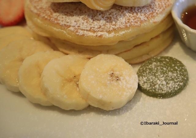 カフェレードルいちごパンケーキのバナナとクッキーIMG_2148