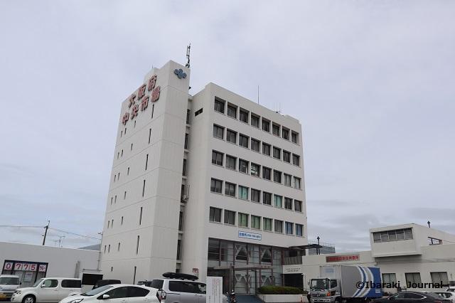 中央卸売市場管理棟外観IMG_3091