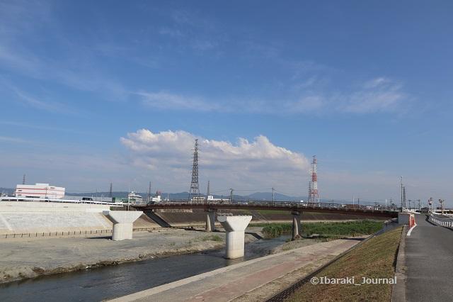 20200624あけぼの橋の工事IMG_3595