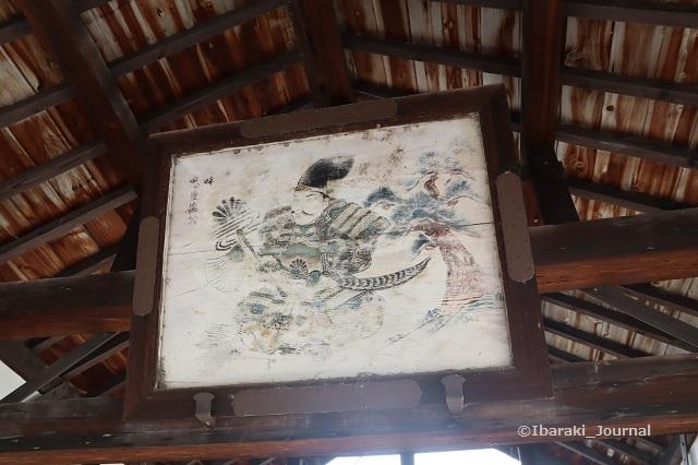 0624井於神社の絵馬所のなかIMG_3491