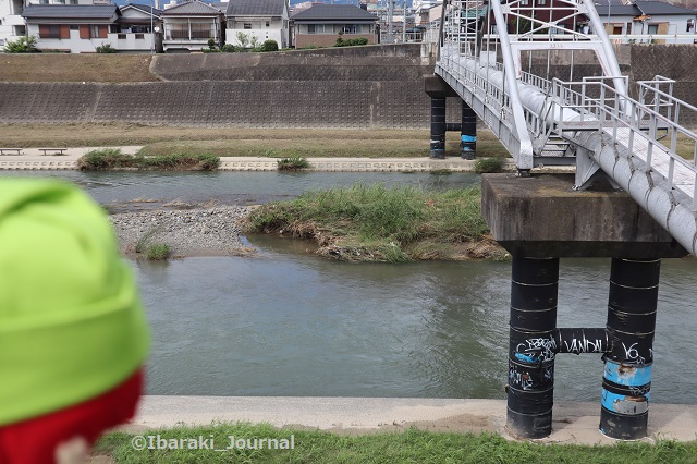 0716千歳橋付近からにんじゃる安威川見るIMG_3796