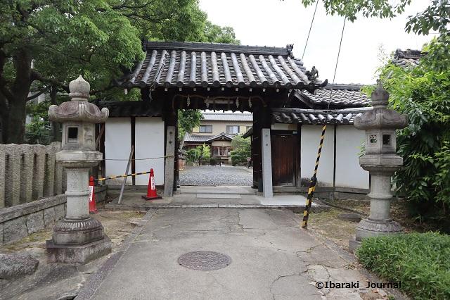 0620井於神社の門IMG_3465