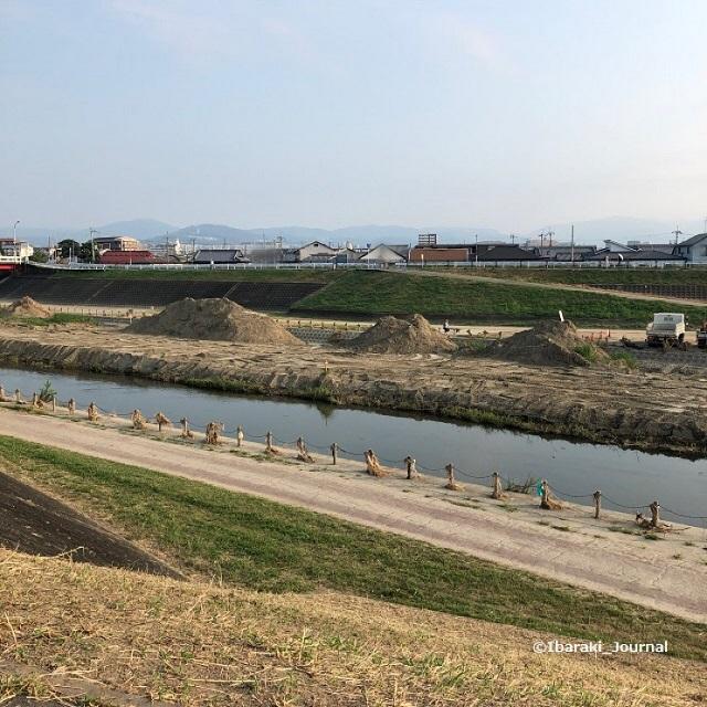 4安威川永久橋に向かってIMG_6035