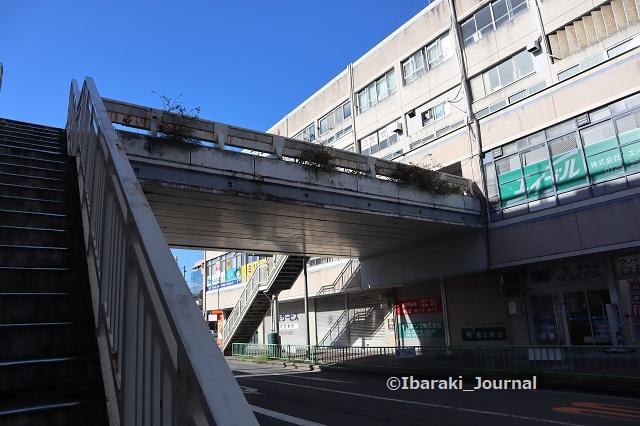 0912阪急茨木駅前ソシオの歩道橋IMG_4307