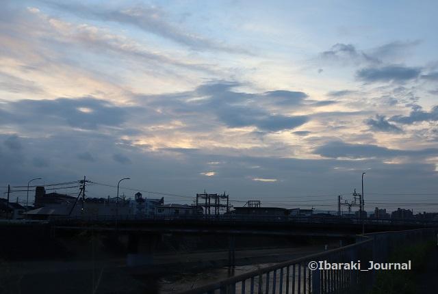0918千歳橋のほうの空IMG_4579