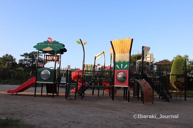 0928若園公園の遊具IMG_4904