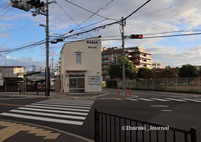 11-0927総持寺交番IMG_4885