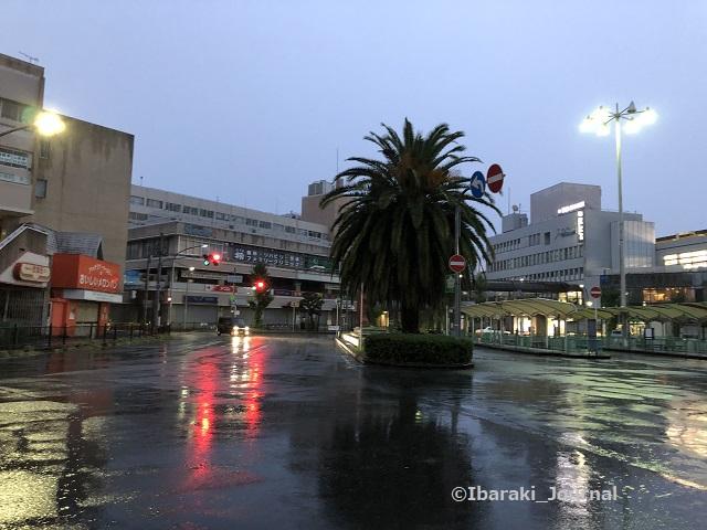 0925阪急茨木市駅西側ロータリーIMG_6844