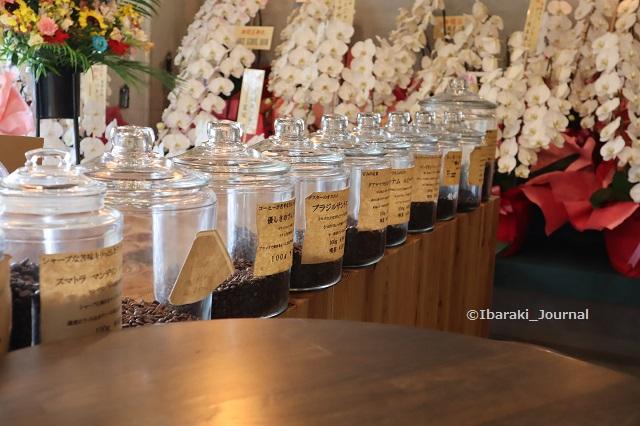 0904ノーコーヒー豆が並ぶIMG_4204