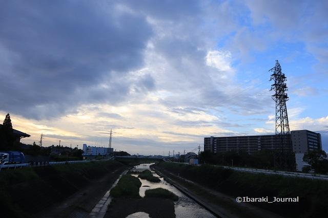 0910春日橋から安威川南のほうIMG_4240