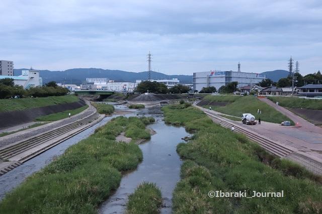0916安威川西河原新橋から北のほうIMG_4457