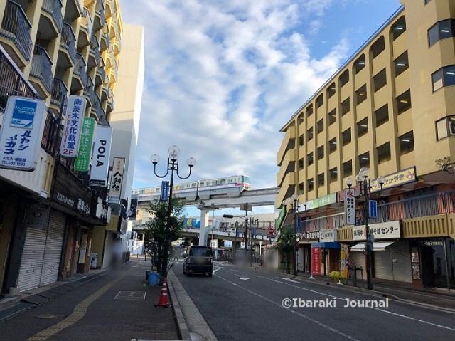 1001南茨木駅のほうへ風景IMG_7045[5865]