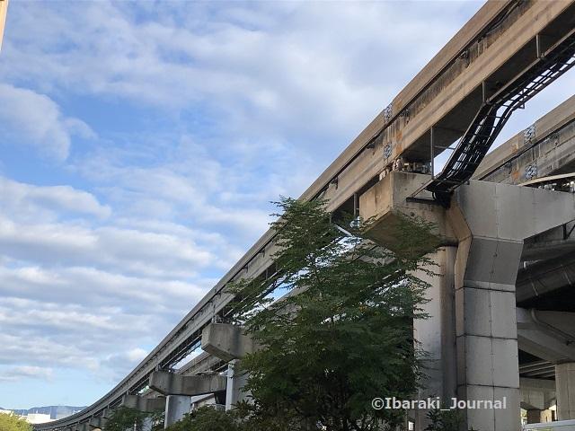 1001南茨木駅モノレールの空IMG_7049