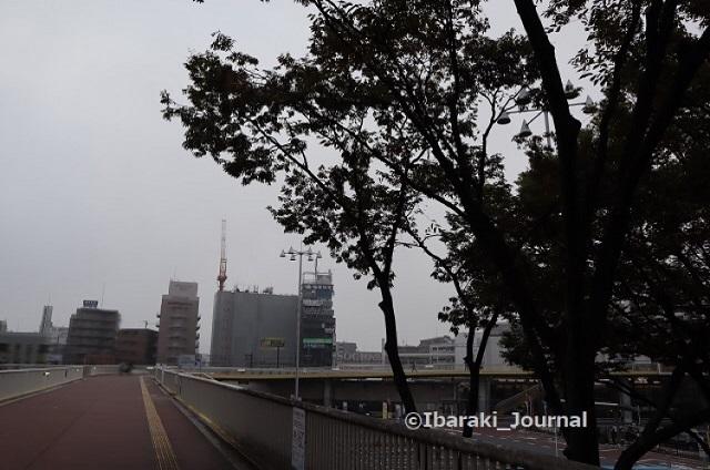 1020JR茨木歩道橋エスカレーター側からIMG_5698