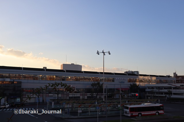 1021阪急茨木市駅を歩道橋からIMG_5736