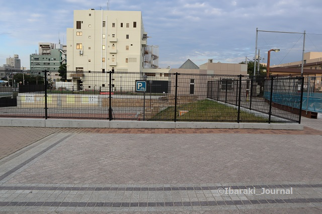 1003噴水広場の駐輪スペースIMG_5003