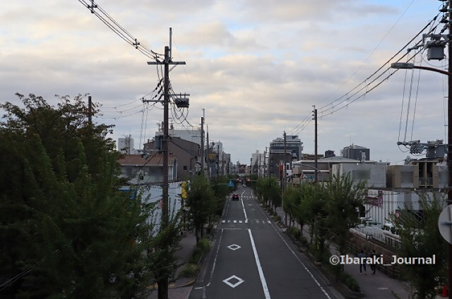 1011竹橋歩道橋から南のほうIMG_5247