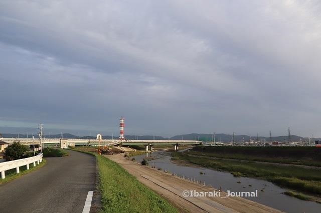 1006あけぼの橋から北方面を見るIMG_5112