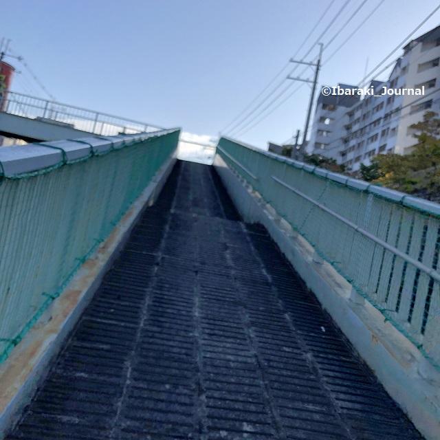 1002歩道橋のスロープIMG_7069